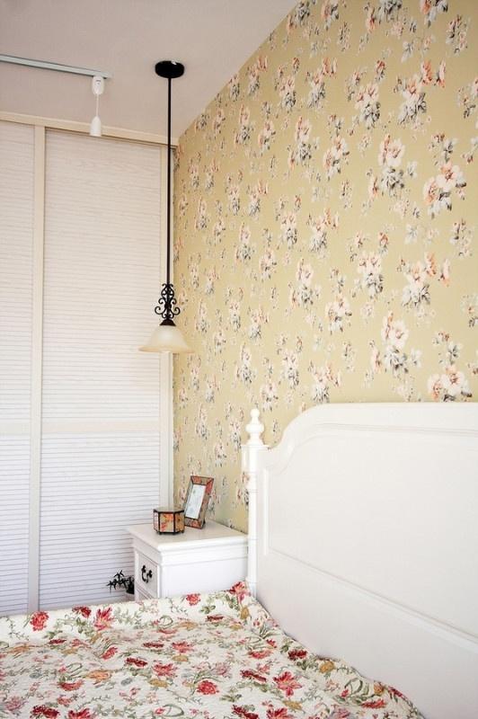 碎花美式田园卧室壁纸装饰图