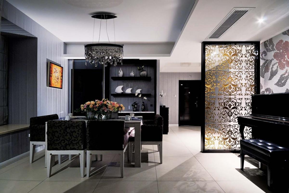 黑色系简欧风餐厅 精美雕花隔断设计