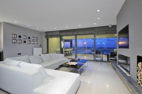 簡約后現代高層公寓 演繹炫酷黑白灰