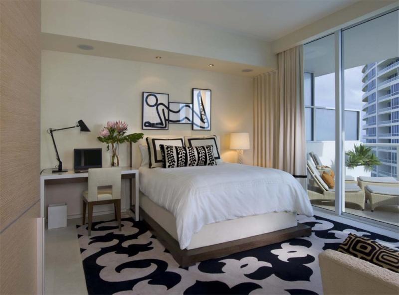 现代主卧室落地窗采光装修设计效果图