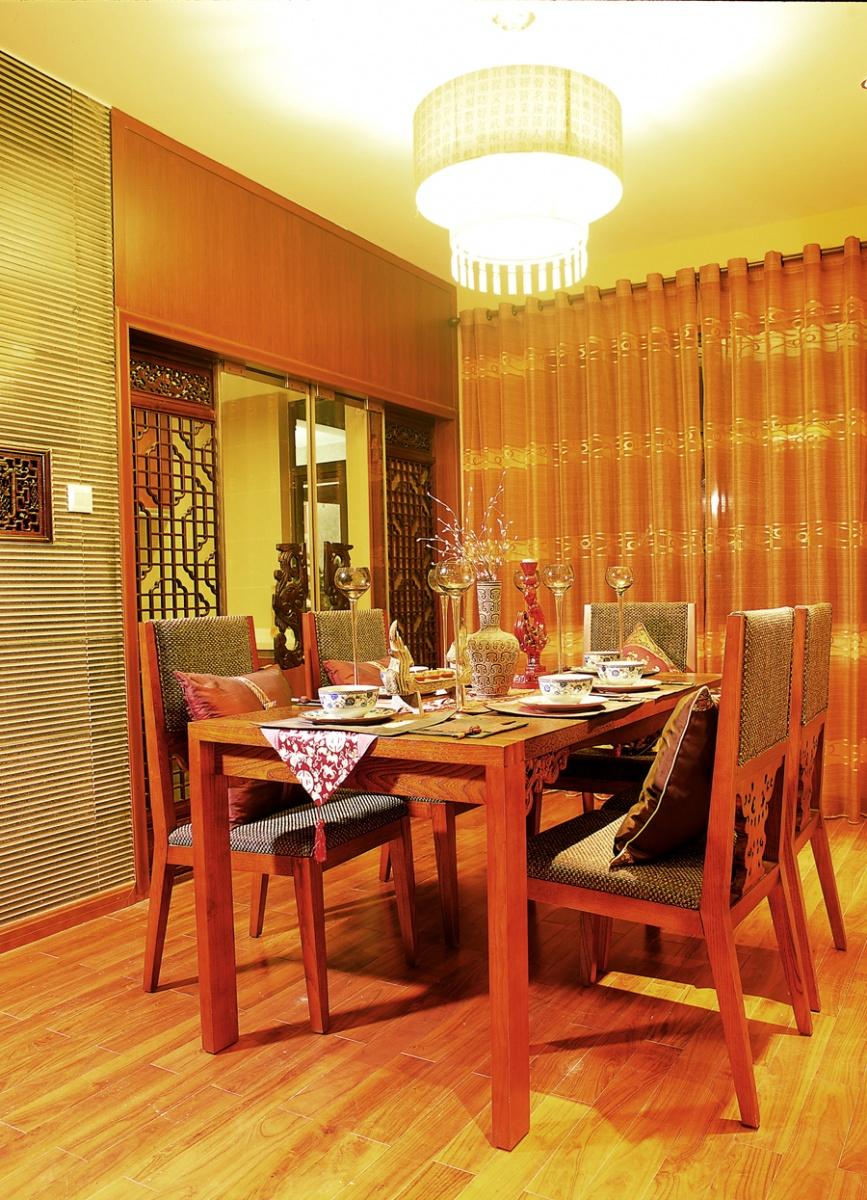 簡中式風格餐廳桌椅裝飾