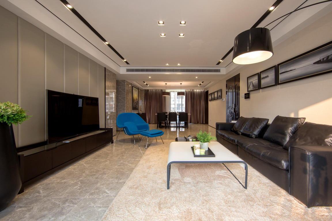 120平三居室现代风格装修图