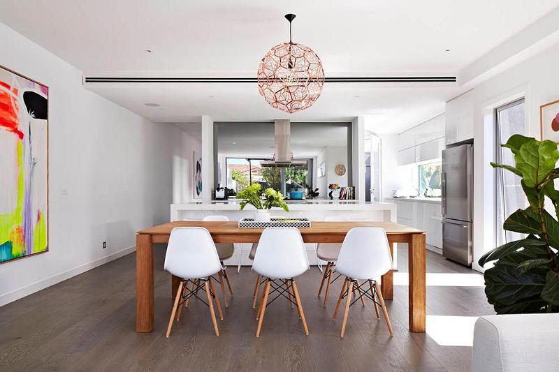 装修效果图 装修美图 简洁北欧餐厅原木餐桌设计