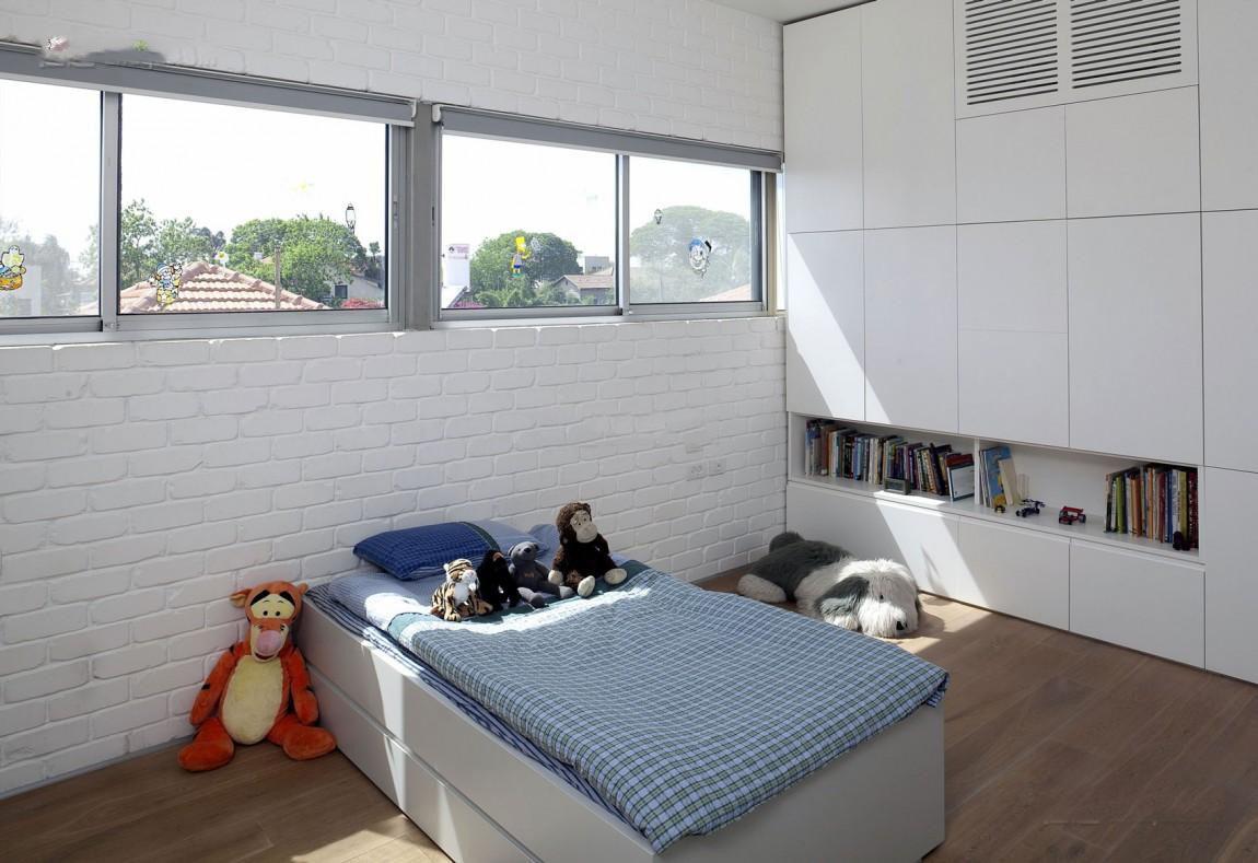 简约时尚儿童房窗户设计