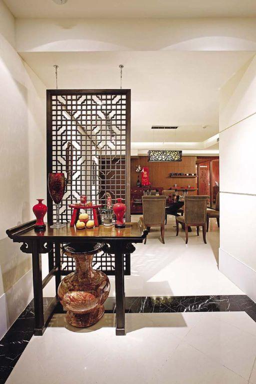 现代中式客厅过道 窗棂隔断设计