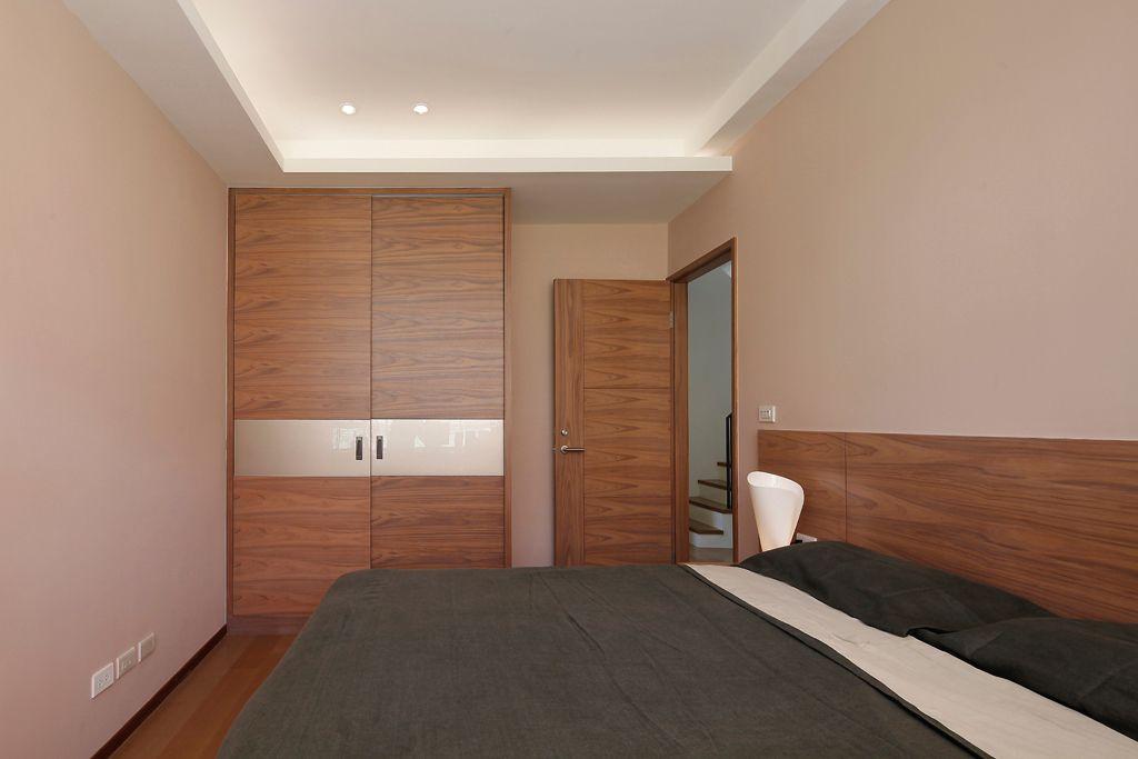 装修百科 装修效果图 装修美图 现代家装卧室实木衣柜设计 现代家装卧