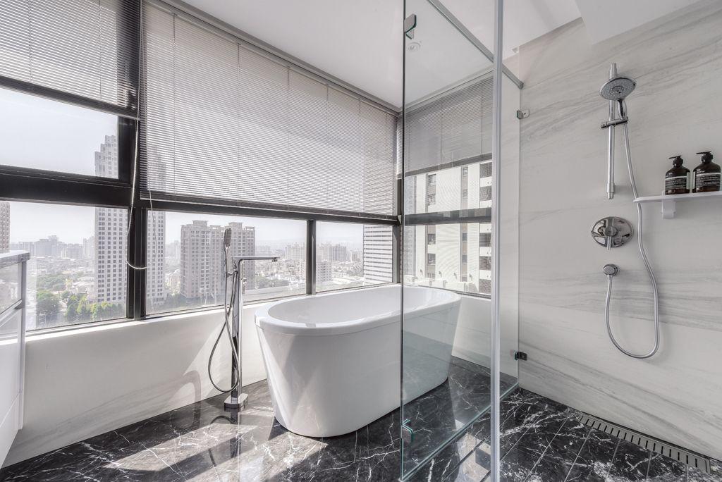 時尚混搭浴室玻璃隔斷效果圖