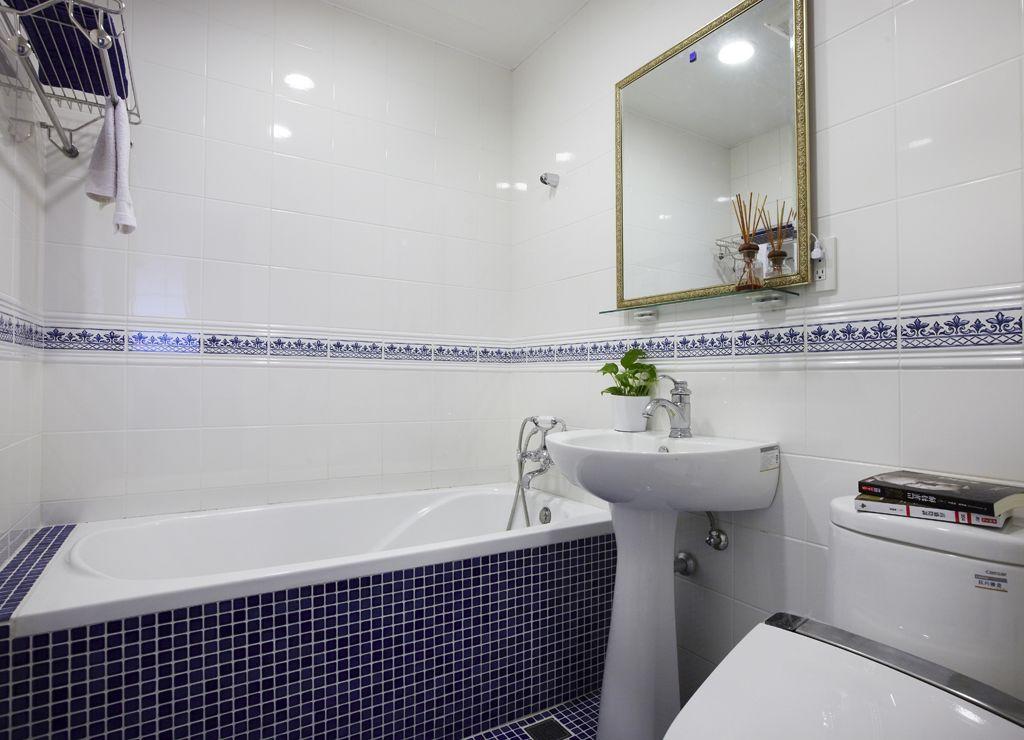 装修效果图 装修美图 日式卫生间瓷砖腰线装饰图