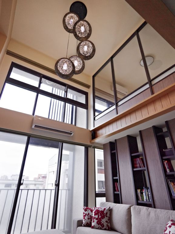 日式风格复式窗户设计