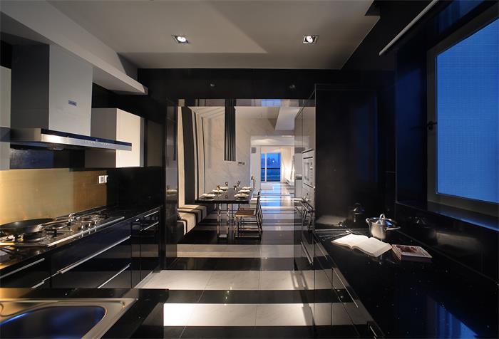 黑色潮流現代廚房效果圖