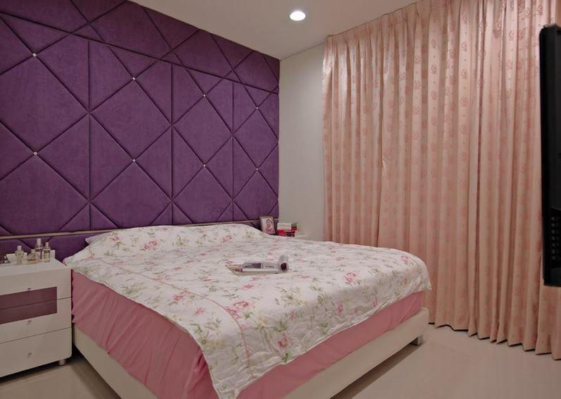 紫色現代臥室背景墻裝飾圖