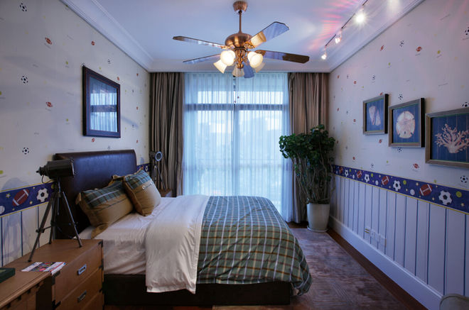 新古典风格卧室吊扇灯装饰