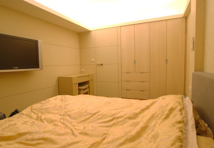 米黃色現代臥室效果圖