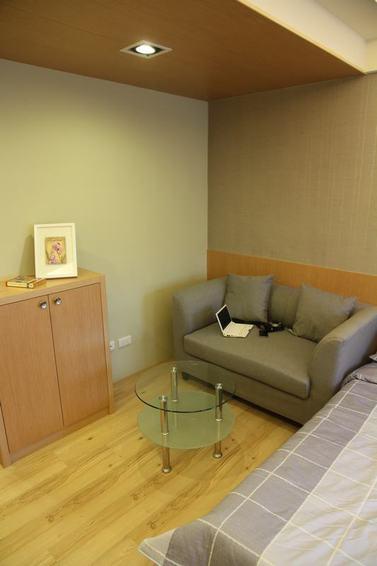 日式風格小客廳玻璃茶幾裝飾