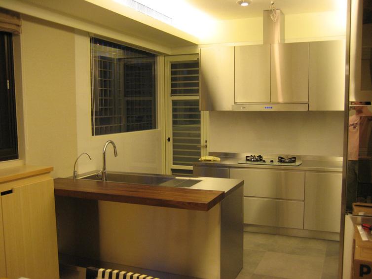 装修百科 装修效果图 装修美图 简约家居厨房不锈钢橱柜设计 简约家居
