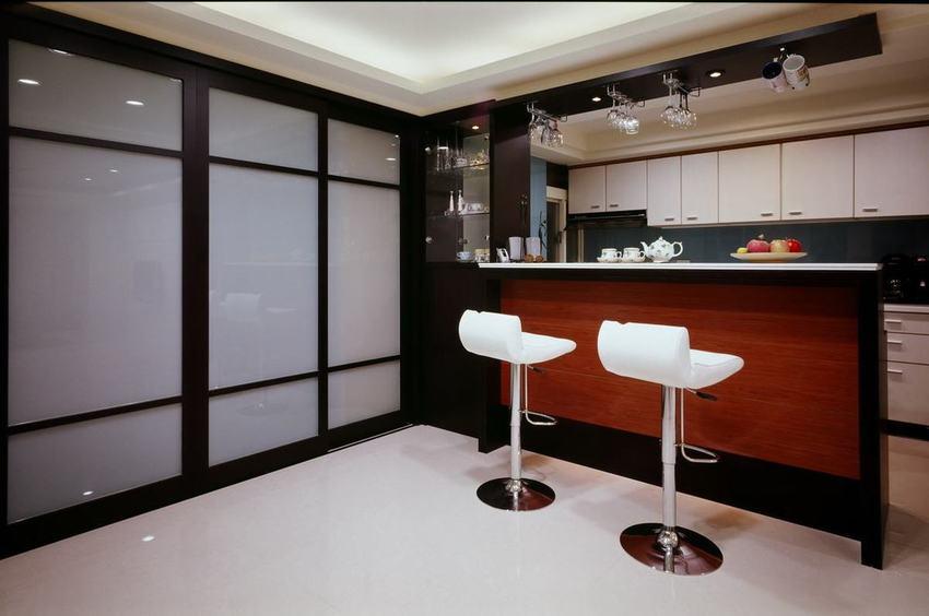 现代家居厨房吧台设计
