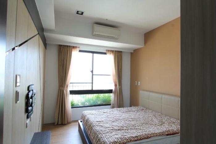 簡約設計臥室窗戶效果圖