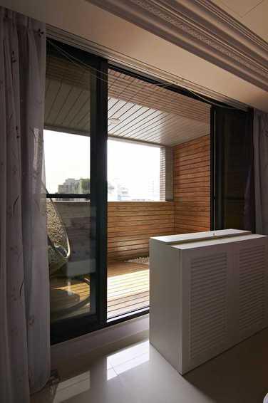装修百科 装修效果图 装修美图 简欧家居阳台玻璃门隔断设计 简欧家居