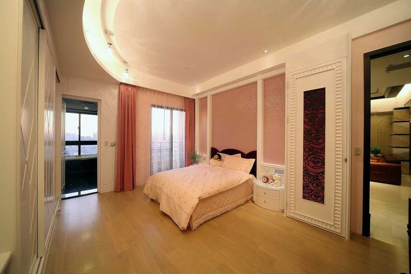 粉色混搭儿童房装潢效果图