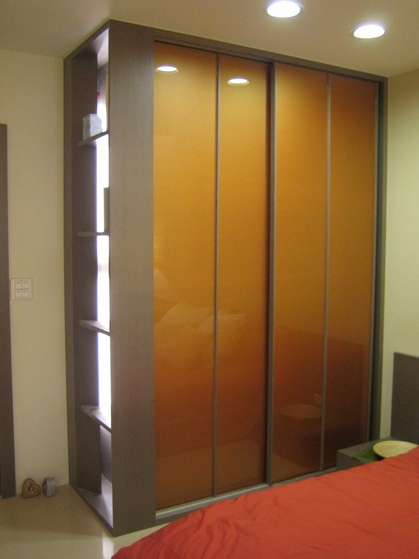 現代風格臥室烤漆衣柜門裝飾
