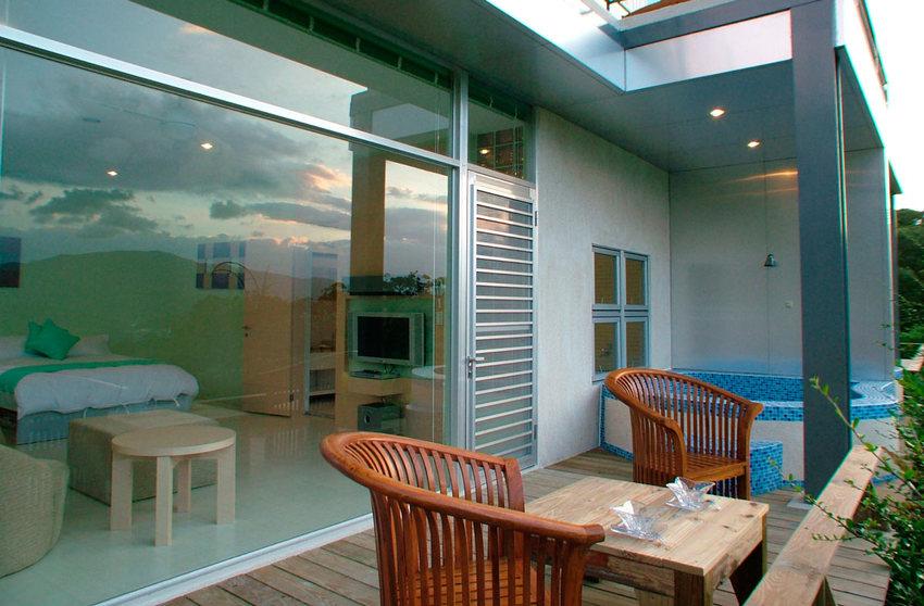 美式別墅休閑區浴池設計