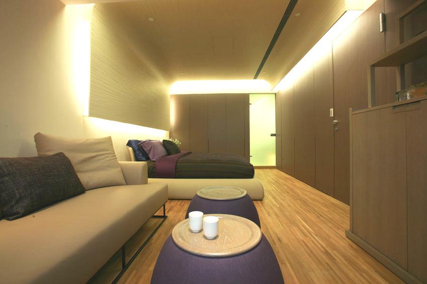 装修效果图 装修美图 素雅现代卧室灯带设计