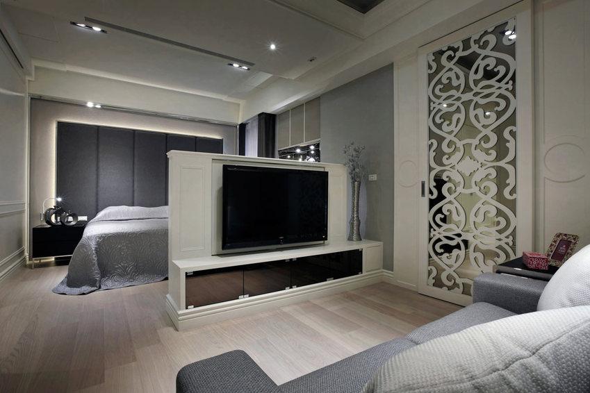 现代家居卧室电视柜隔断设计_装修百科