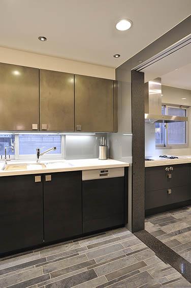 装修效果图 装修美图 豪华现代厨房垭口隔断设计