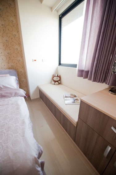 簡約裝修臥室飄窗柜設計