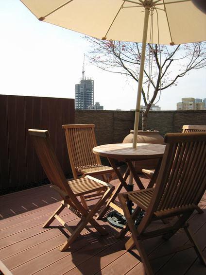 现代都市别墅露天阳台设计