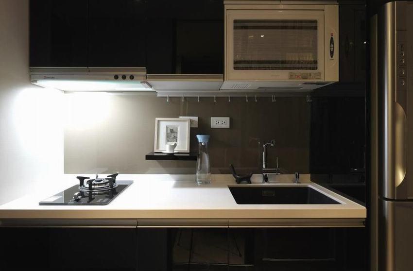 日式小厨房大理石台面设计装修图_装修百科