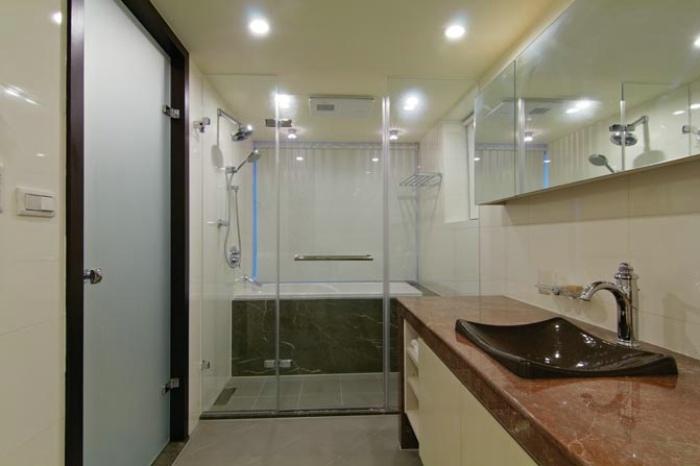 欧式家装卫生间淋浴房隔断装修设计