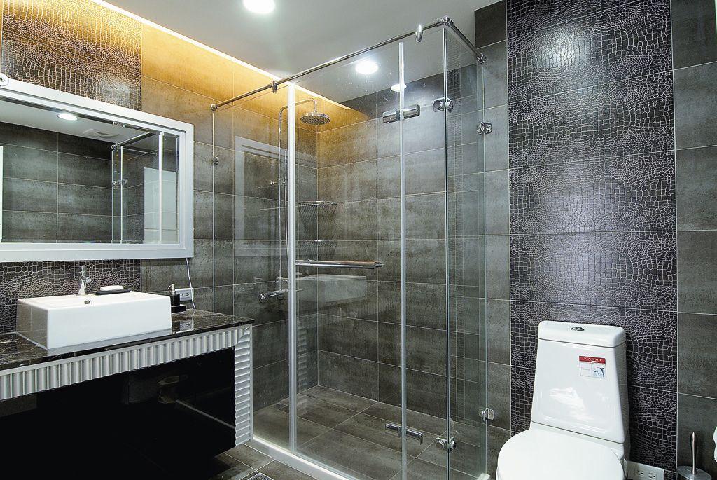 时尚现代卫生间 淋浴房隔断设计