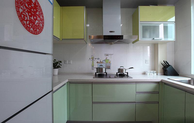現代婚房廚房設計裝修欣賞圖