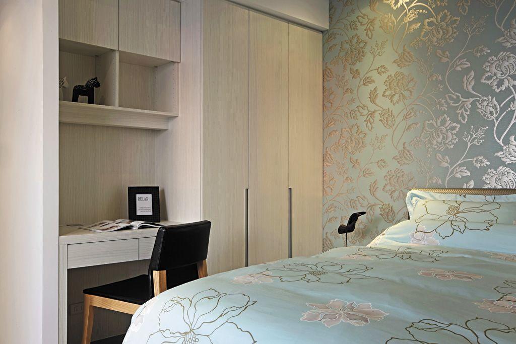 装修百科 装修效果图 装修美图 精致现代卧室印花墙纸装饰 精致现代