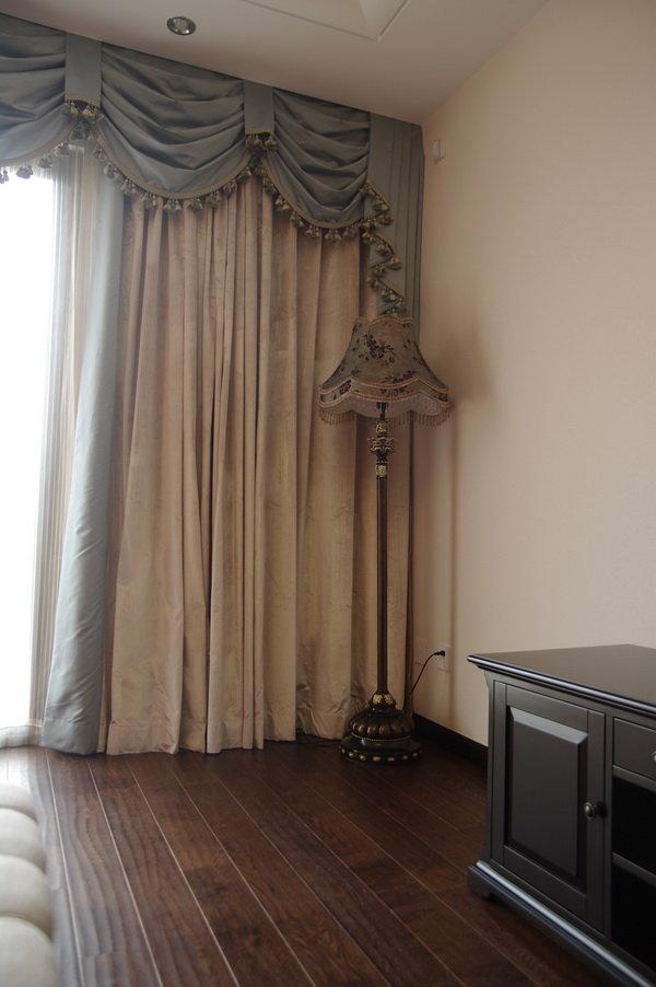 欧式装修风格家居室内窗帘装饰效果图_装修百科