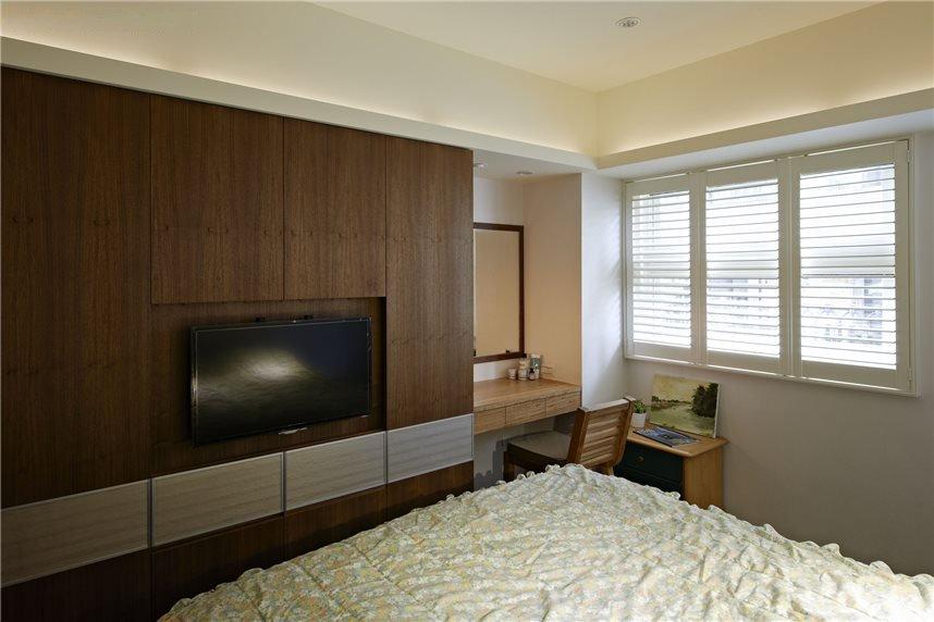 简约现代卧室实木电视背景墙设计