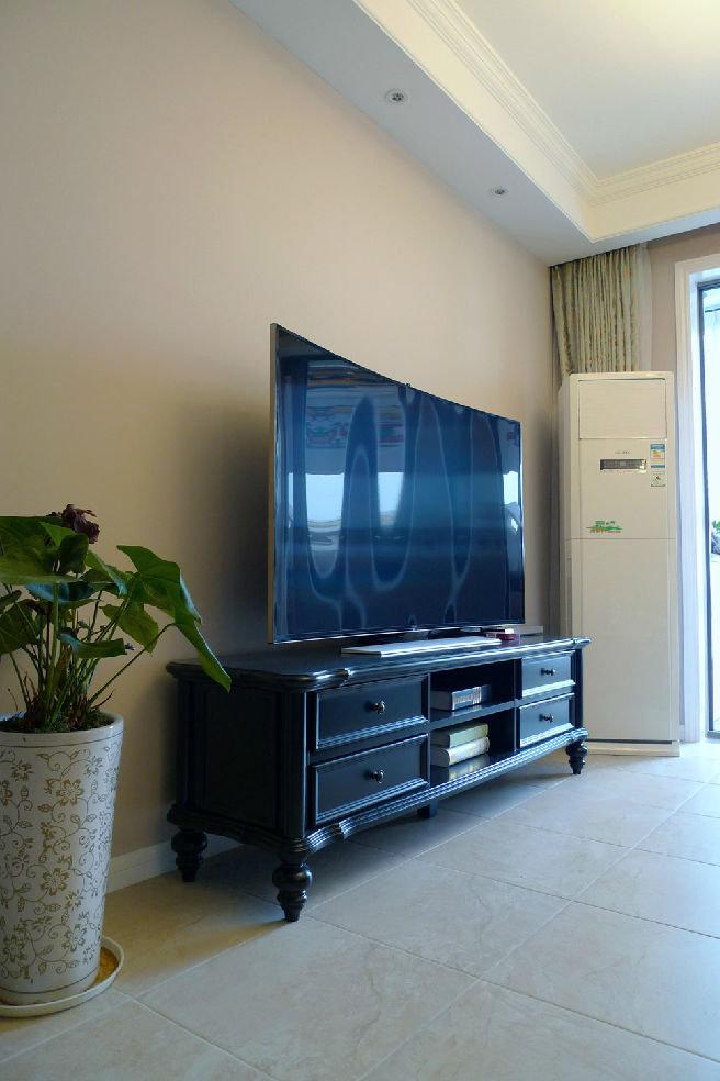 美式古典风格家居电视硅藻泥背景墙装饰图_装修百科图片