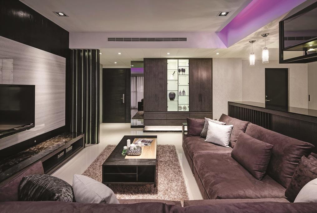 暗色系现代三居装修效果图