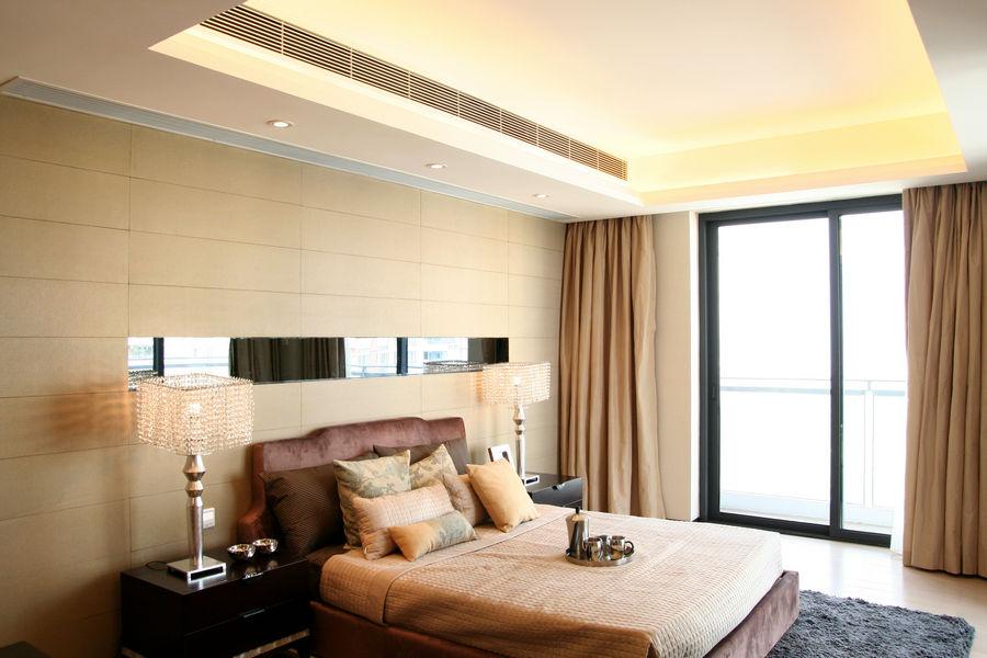 精致現代臥室落地窗設計