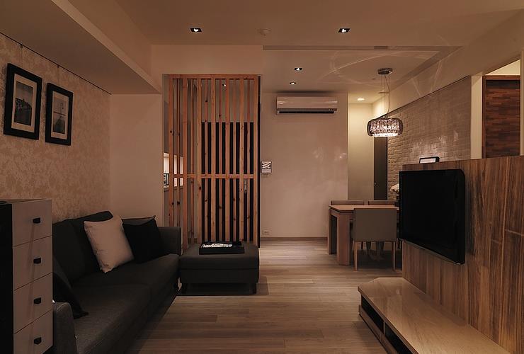 日式小户型客厅电视背景墙半隔断设计_装修百科