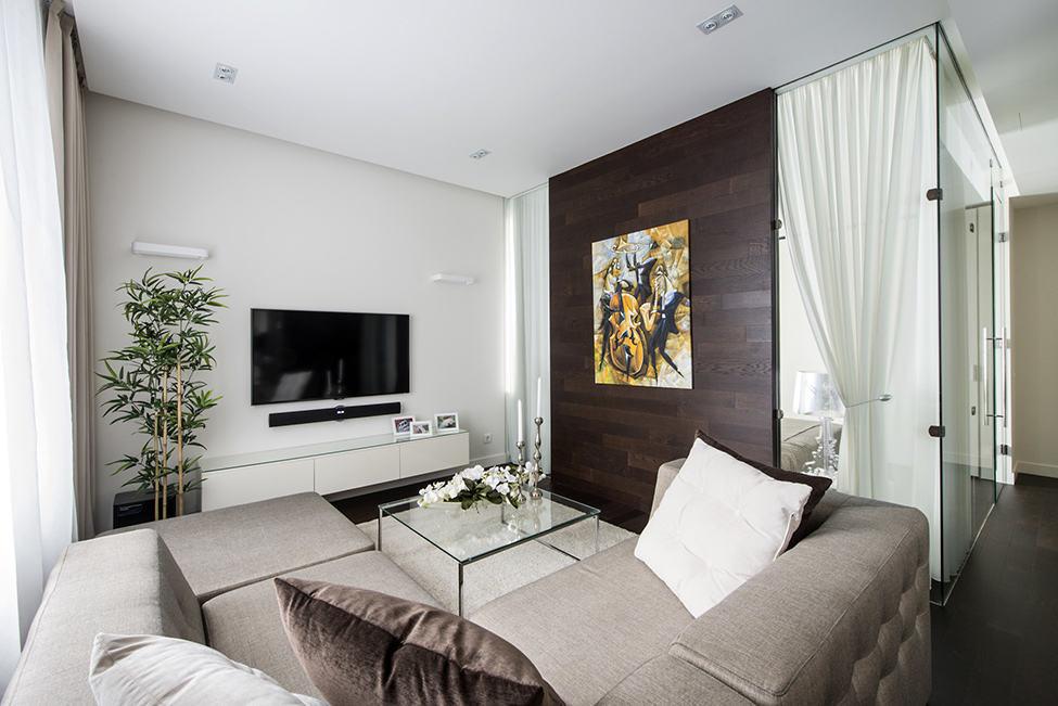 简约现代客厅实木背景墙设计_装修百科