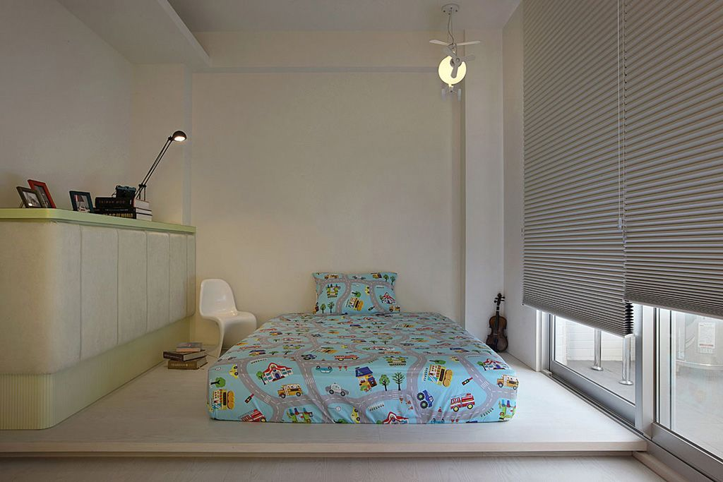 装修百科 装修效果图 装修美图 时尚后现代风 儿童房折叠窗帘装饰
