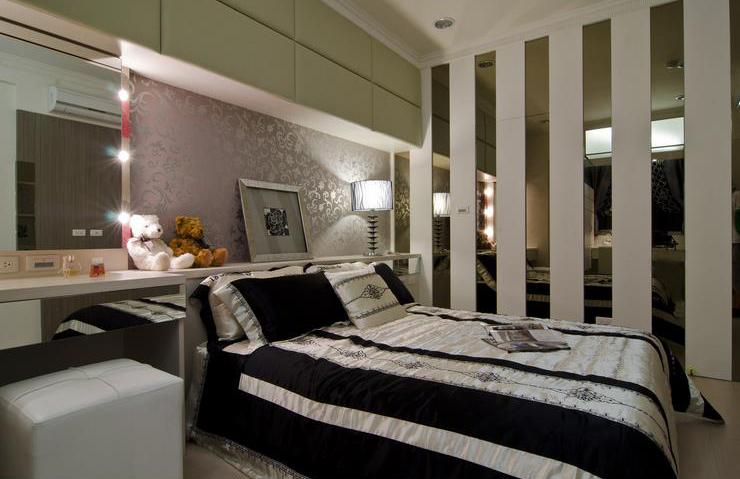 时尚简欧卧室玻璃实木竖条隔断背景墙装饰图_装修百科