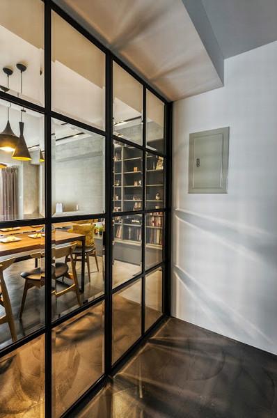 简约现代家庭餐厅玻璃门隔断装饰效果图