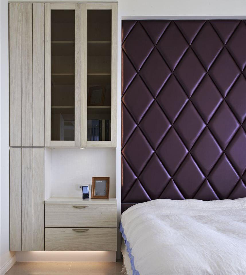 现代简约装修 卧室床头柜子设计_装修百科