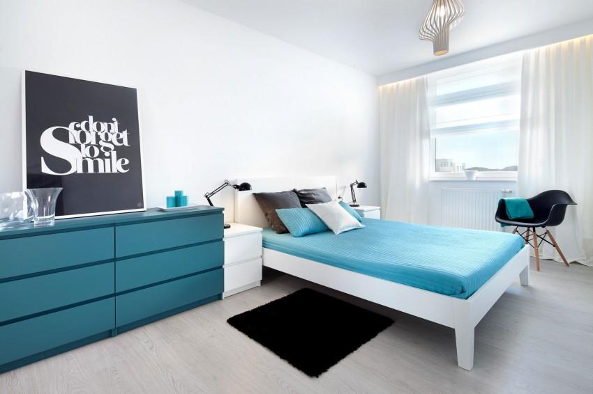 简约蓝白色调卧室欣赏