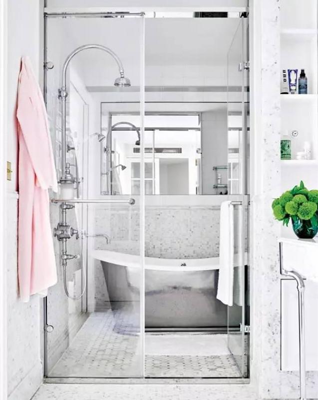 簡潔明亮現代浴室效果圖