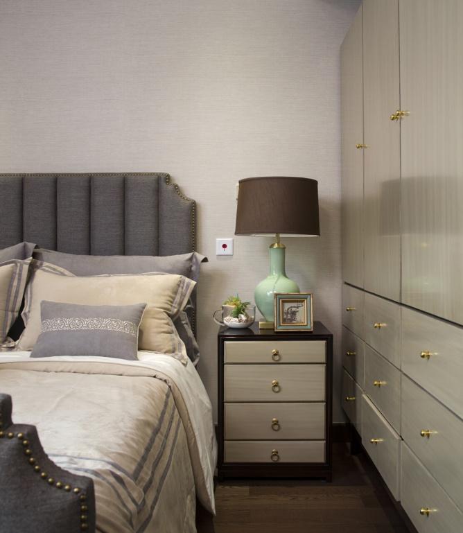 美式混搭风卧室床头柜设计