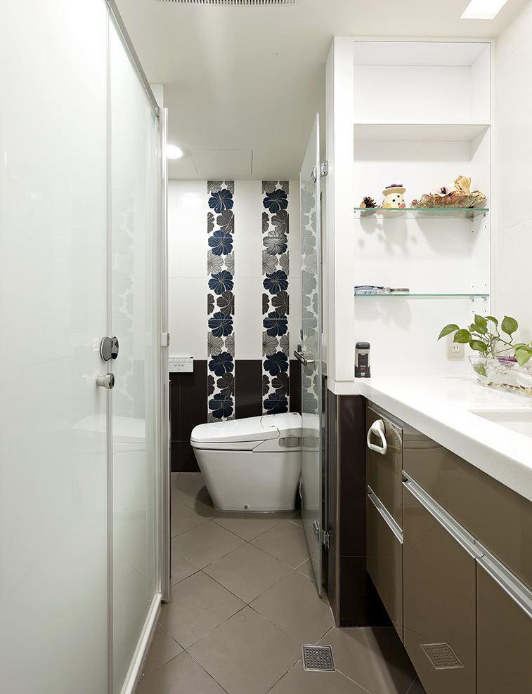 卫生间玻璃门装修效果图